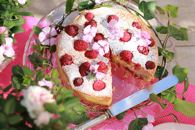 Cake_02_raspberries