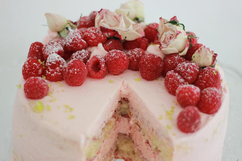 05_Cake_raspberries