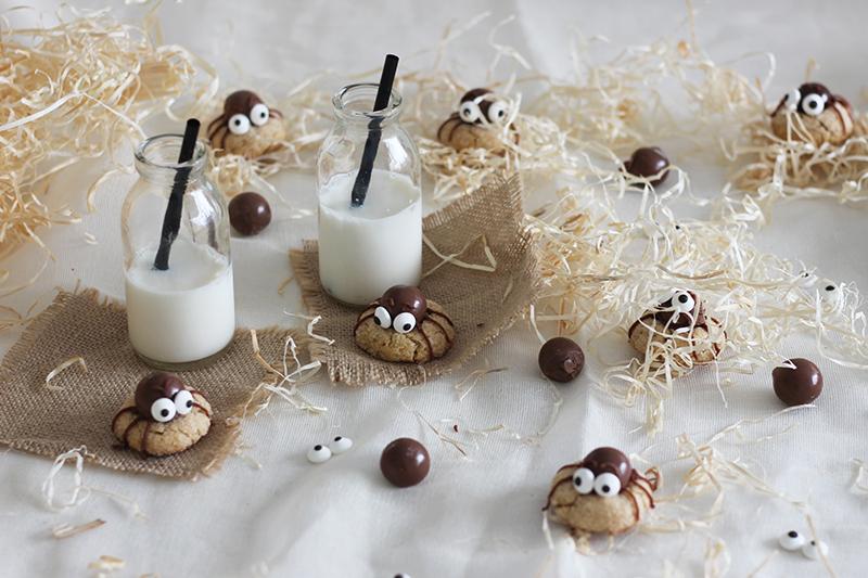 11_halloween_cookies_chocolate