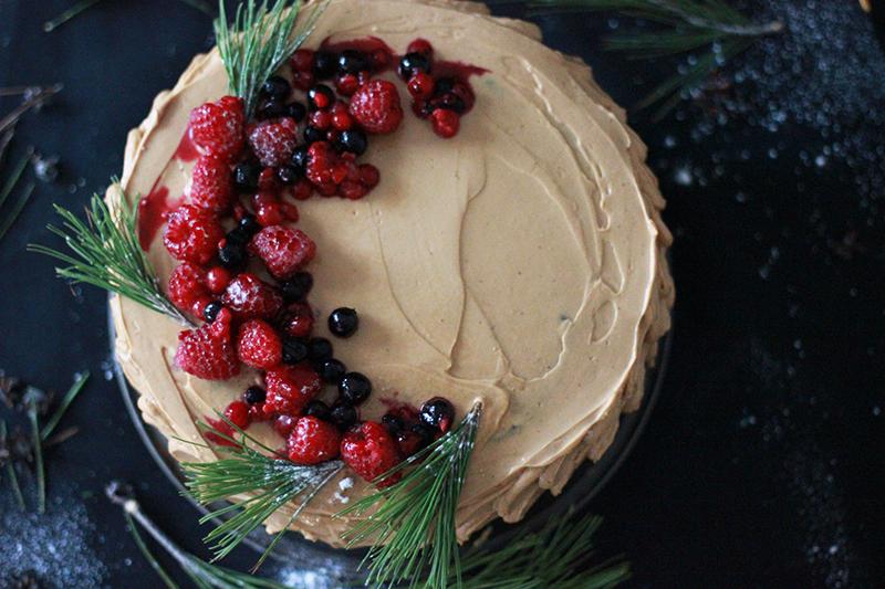 05_cake_chocolate_berries