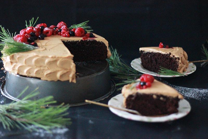 06_cake_chocolate_berries